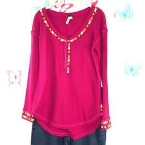We The Free tee top size med raspberry color
